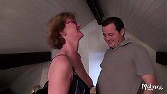 Lucie, mature aux gros seins veut rendre jaloux son mari