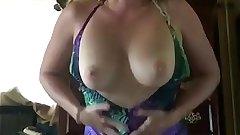 Hot Milf Mommy Looks So Hot taking Off Her Dress